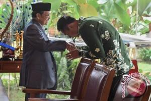 Agus Harimurti Yudhoyono Temui BJ Habibie