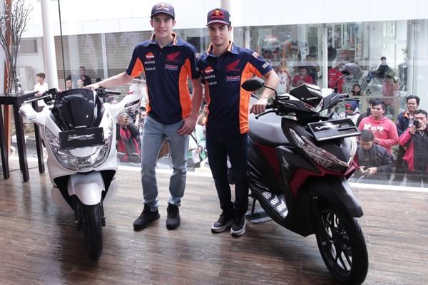 Pertama kali, Marquez dan Pedrosa kunjungi dealer Honda di Indonesia