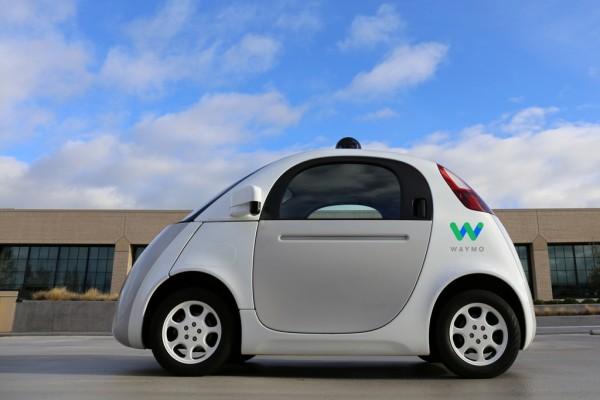 Mobil swakemudi diizinkan melintas di jalanan California