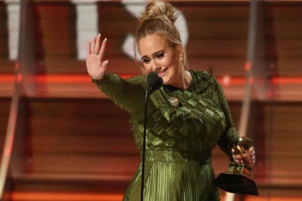 Adele Konfirmasi Status Pernikahannya
