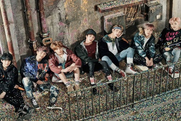 """Album BTS """"Wings"""" Terjual 1,5 Juta Keping"""