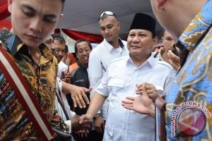 Prabowo Memberi Penyuluhan