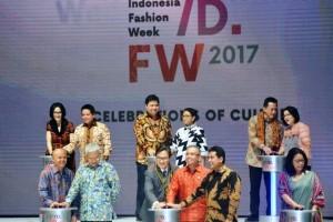 Fashion jadi ujung rantai nilai tambah industri tekstil