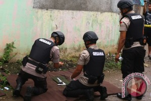 Anak kecil Jayapura temukan granat PD II di luar TPS