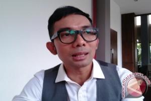 Pilkada DKI, Indra Herlambang tak tertarik karisma paslon