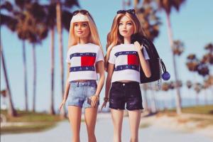 Gigi Hadid berubah jadi boneka Barbie