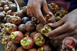 ANTARA Doeloe: Makan Manggis Dan Es, Achirnja Mati Dalam Sampan