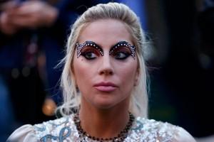 Lady Gaga desak pengendalian senjata usai teror di Las Vegas