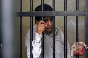Dimas Kanjeng dihadirkan sebagai saksi tersangka Karmawi