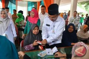 Mensos serahkan Bansos Rp229 miliar untuk Lamongan