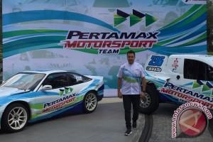 Rifat Sungkar berharap Sean Gelael bisa ikuti jejak Rio Haryanto