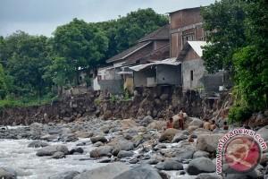 Wali Kota Risma kirim bantuan ke Sumbawa