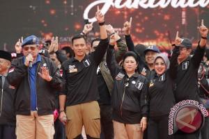 SBY dan Agus sambangi Wisma Proklamasi