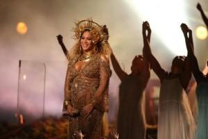 Beyonce batal tampil di festival musik Coachella