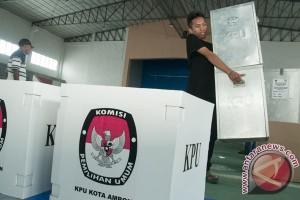 Cagub Wahidin nyoblos di TPS 2 Pinang