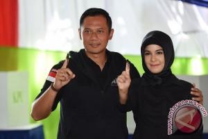 Agus Yudhoyono sambangi kediaman SBY