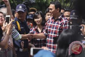 Ahok blusukan ke gang-gang di Jakarta Utara, tengok orang-orang sakit