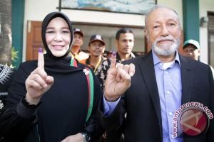 Wali Nangroe Aceh Berikan Suara Pilkada