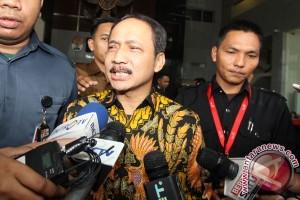 KPK Periksa Hakim MK Suhartoyo