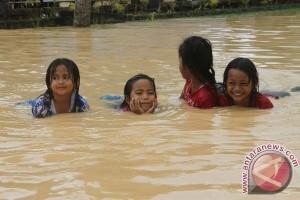 107 keluarga mengungsi akibat banjir di Pidie