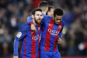 Penalti Messi di ujung laga selamatkan Barcelona dari hasil imbang
