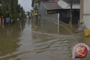 Perumahan Harapan Baru terendam banjir akibat tanggul jebol