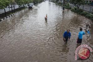 BPBD menyatakan banjir di Jakarta barat telah surut