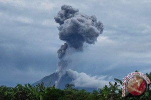 Gunung Sinabung terus alami erupsi