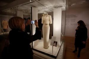 Koleksi gaun Putri Diana dipamerkan setelah 20 tahun kematiannya
