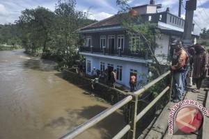 Banjir bandang terjang Kabupaten Bandung Barat