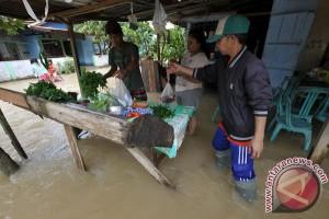 Permukiman warga Bungurasih Sidoarjo terendam banjir