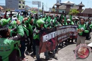 Demo Sopir Gojek Bali
