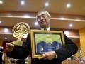 Christian Hadinata Mendapat Penghargaan