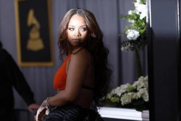 Rihanna akan adu akting dengan Adam Driver