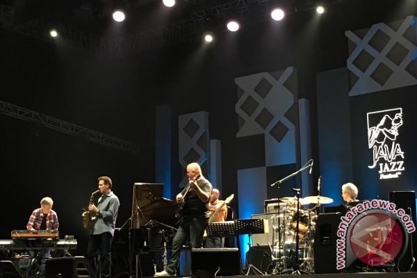 Chick Corea Buat Penonton Java Jazz Terjaga (Video)
