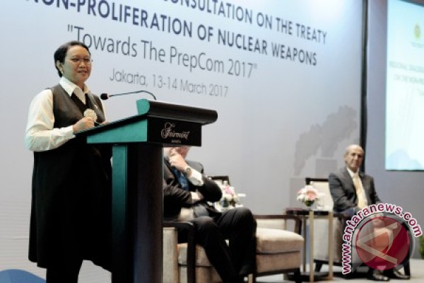 Indonesia promotes global treaty to ban nuclear weapons