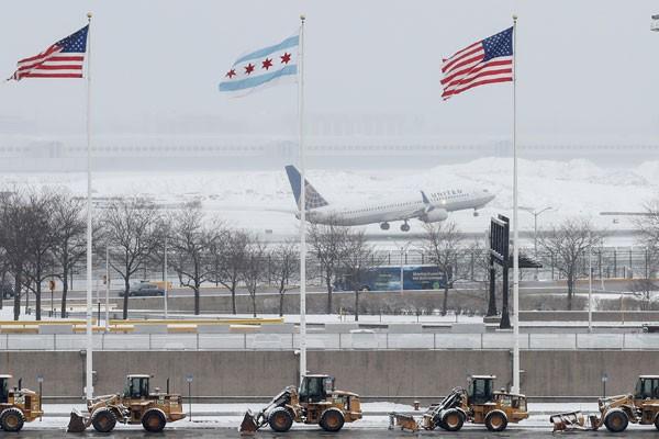AS berniat larang penumpang maskapai asing bawa alat elektronik besar