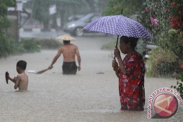 BMKG perkirakan hujan di Lampung