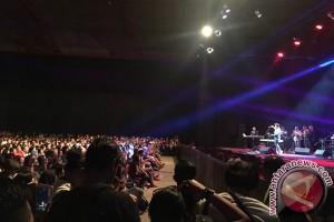 Penonton Java Jazz padati hall, Tompi duet Incognito