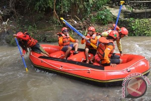Tiga orang hanyut di Sungai Sono Magelang