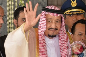 Indonesian ministers bid farewell to King Salman of Saudi Arabia