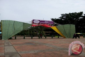 Flora, Fauna Expo Being Organized in Banteng Square, central jakarta - (d)