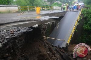Jembatan darurat di Cepogo siap digunakan