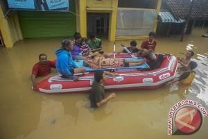 Banjir hambat jalan raya Bandung-Garut
