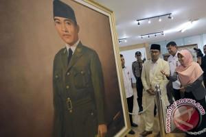 """Buku """"Bung Karno `Menerjemahkan` Al-quran"""" diluncurkan"""