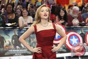 Scarlett Johansson bergaya seperti Ivanka Trump di SNL