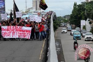 Pemerintahkan isyarakatkan holding BUMN untuk kuasai Freeport