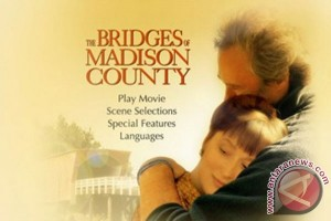 "Penulis novel terkenal ""Bridges of Madison County"" meninggal dunia"
