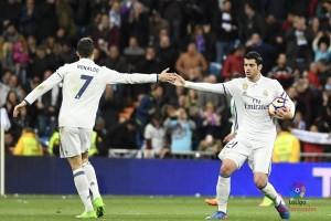 Madrid tempel Barcelona usai gasak Deportivo 6-2