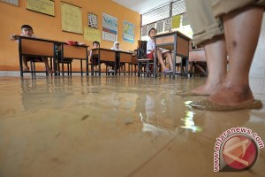 Warga Organda Jayapura terisolasi akibat banjir